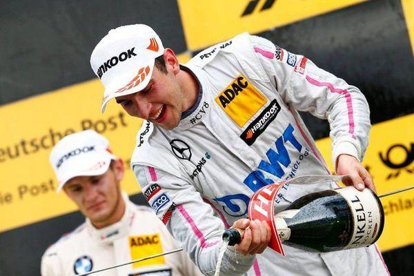 Bwt представя две коли Mercedes-amg на състезания dtm