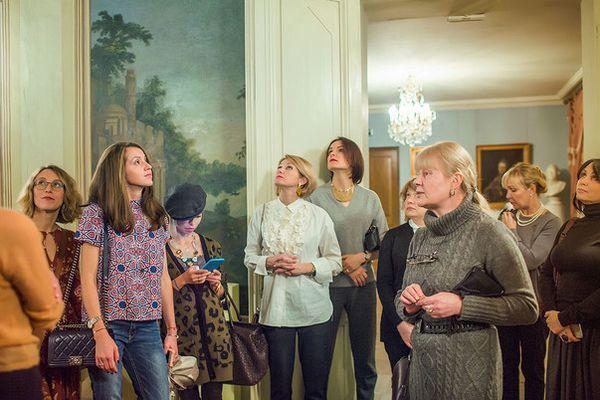 Чайна парти в Пушкин с паркет