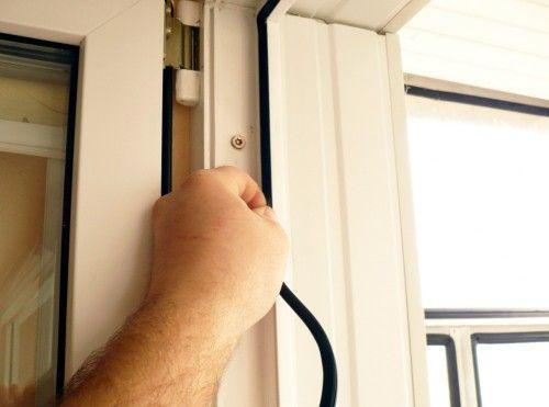 Замяна на гума за запечатване на прозорци