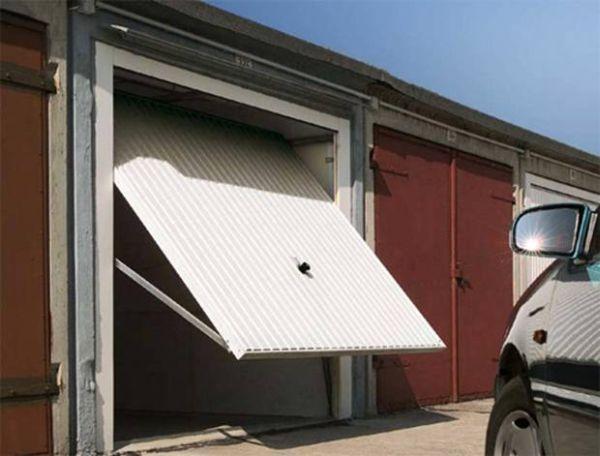 Как да инсталирате повдигащи врати за гаража си от собствените си ръце