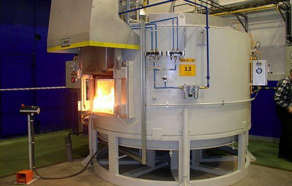 Мини-фурна за топене на стомана