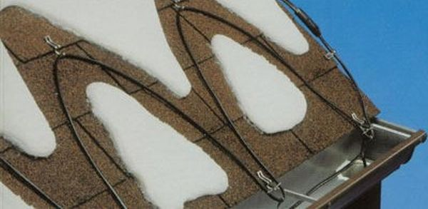 Отоплителни улуци и покриви със собствени ръце, използващи резистивен и саморегулиращ се кабел